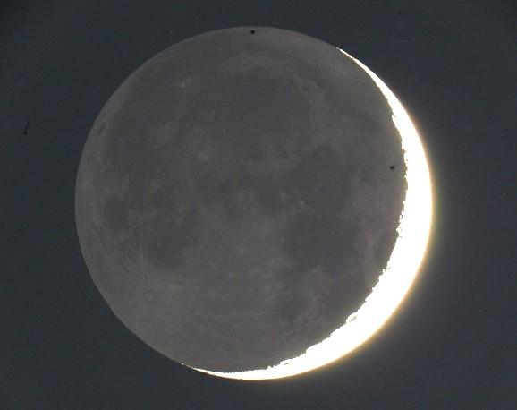 すべての講義 月の月齢 : ... (2004年12月14日17:37)月齢2.2